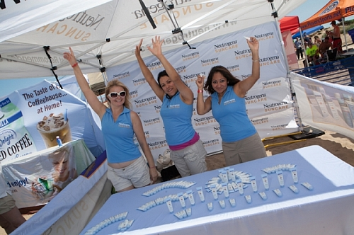 Big Dig 2012 - Raise your hand if you love Neutrogena!