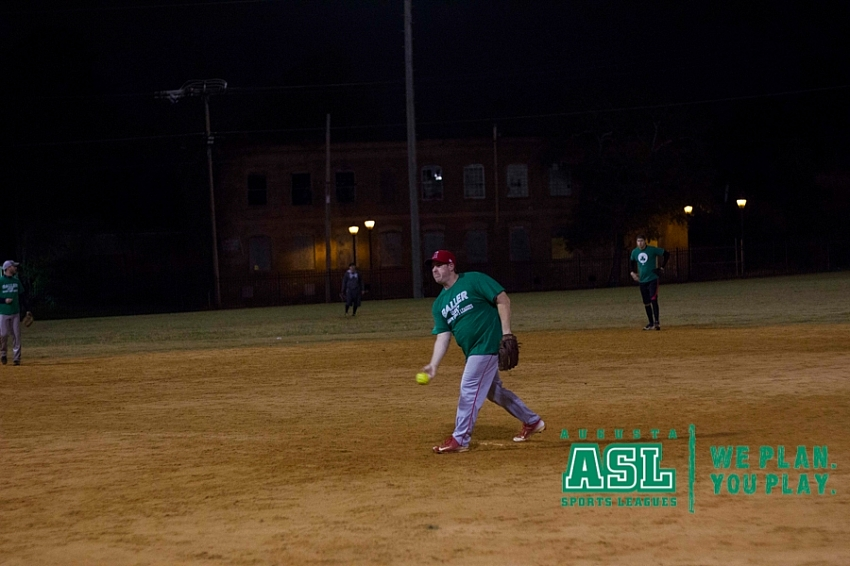 2017-Fall-Coed-Softball-Monday