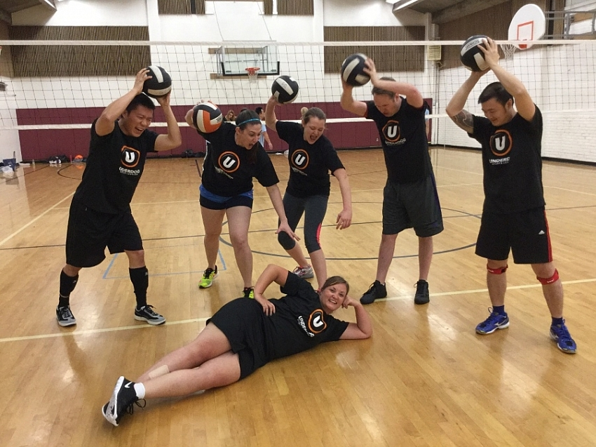 A Drinking Team with a Volleyball Problem